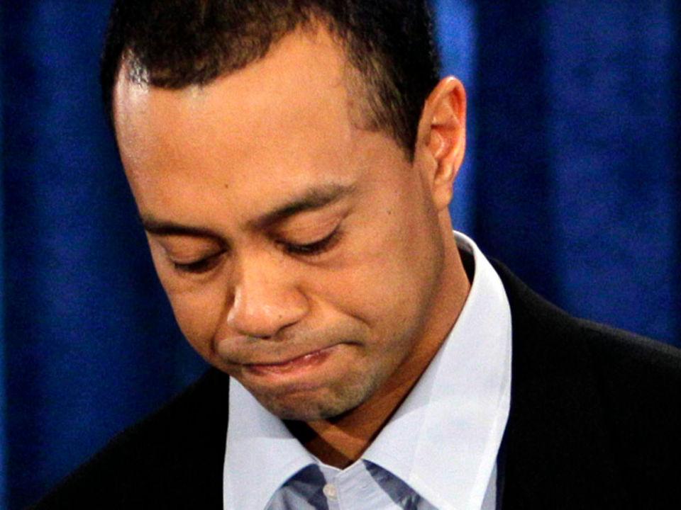 Tiger Woods avergonzado